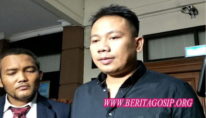 Drama Perceraian Vicky Prasetyo Dan Angel Lelga