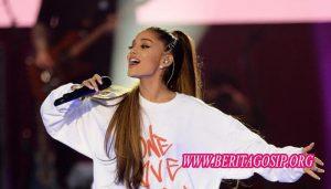 Putus Dengan Pete,Ariana Grande Langsung Mengunggah Video Dengan Mantan