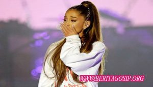 Begini Cara Ariana Grande Menghadapi Tahun 2018