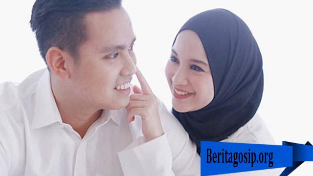 Chacha Frederica Bangga Dengan Suaminya